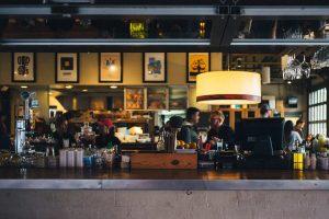 Brescia, la protesta silenziosa di ristoranti e bar